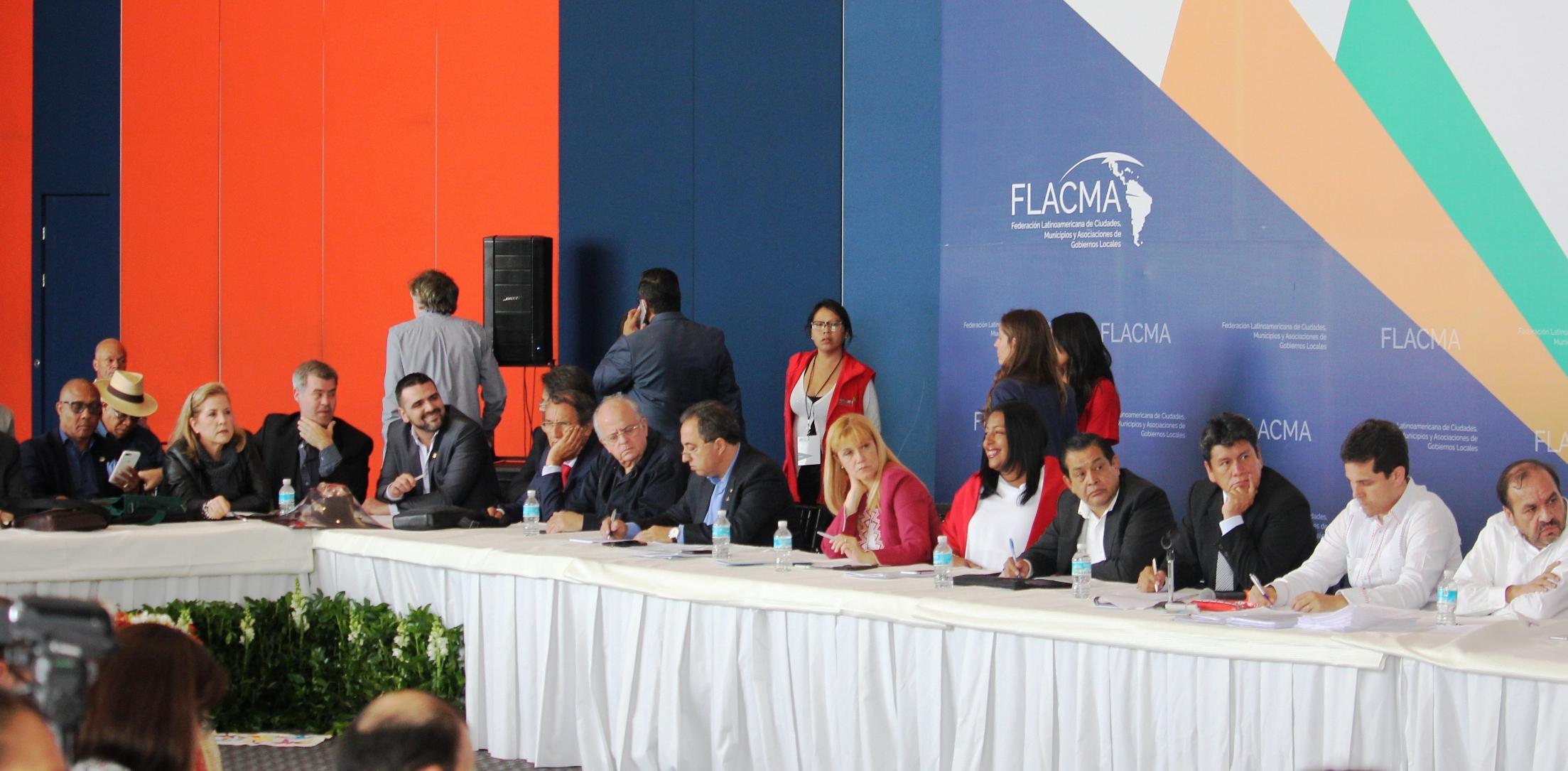 El intendente vuoto participa en mexico de la cumbre for Cabine del lago vuoto