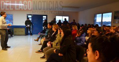 El Secretario de Gestión de Recursos Humanos Martín Sola se reunió con el personal POMyS de la localidad de Tolhuin