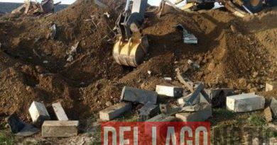 Concesionaria de Río Grande enterraba baterías de autos en un predio y fue multada