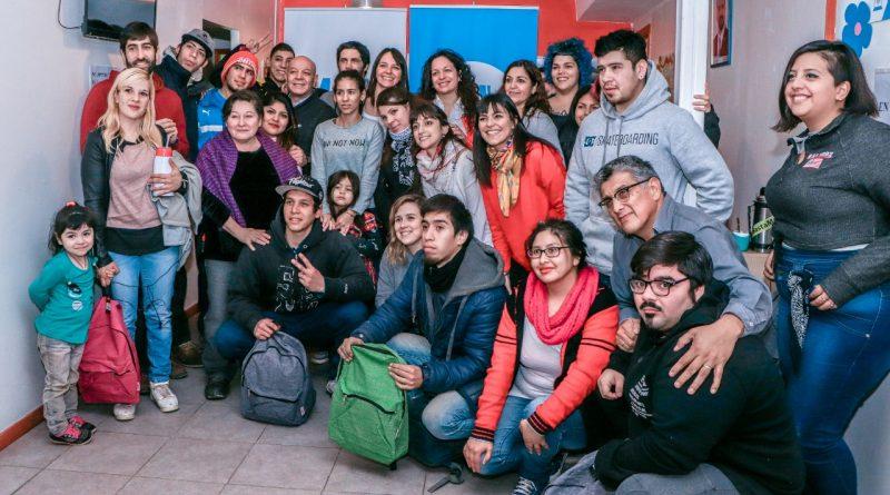 LA MUNICIPALIDAD ENTREGÓ KITS ESCOLARES A ESTUDIANTES DEL PLAN FINES EN USHUAIA