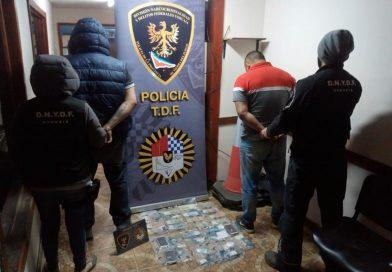 LA POLICÍA PROVINCIAL DETUVO A DOS SUJETOS QUE TRANSPORTABAN COCAÍNA EN UN REMIS