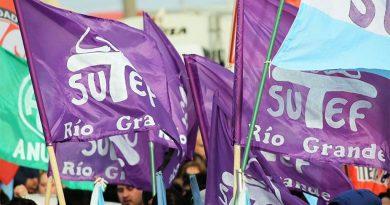 SUTEF realizó varios reclamos a la Ministra de Educación y solicitó paritarias y mesas técnicas.
