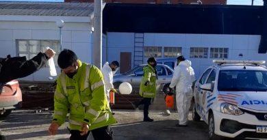 INCREIBLE: Mujer hisopada por síntomas, se dirigió hacer trámites y en un control escupió a la policía