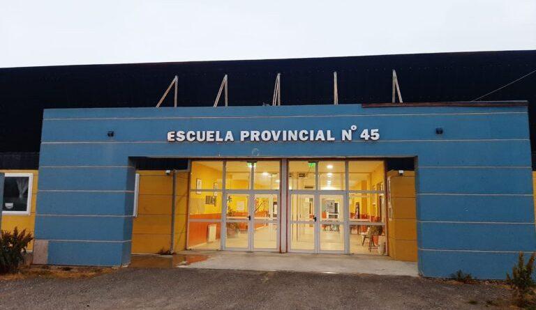 """TOLHUIN: """"Mi hijo hoy no puede asistir a la Escuela y está siendo discriminado"""""""