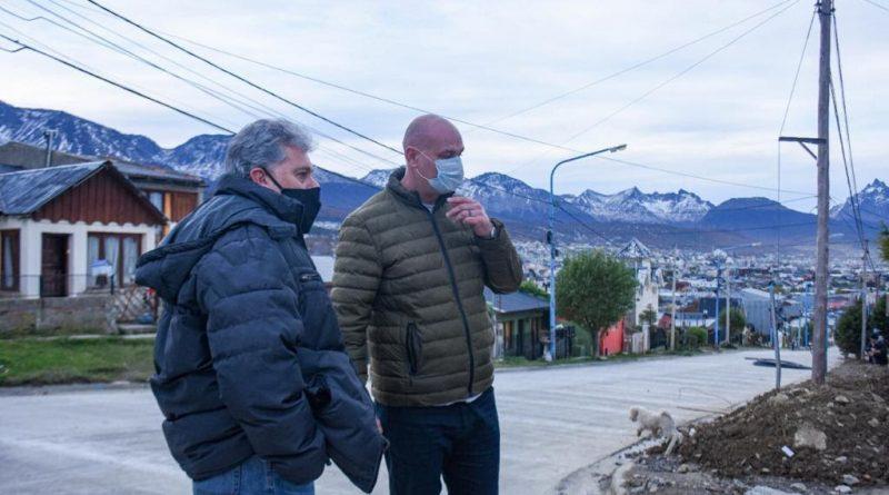 Reabren la calle independencia en el barrio Procrear
